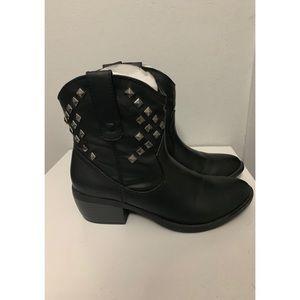 New Arizona Jean Co Black Studded Boots Size 7.5